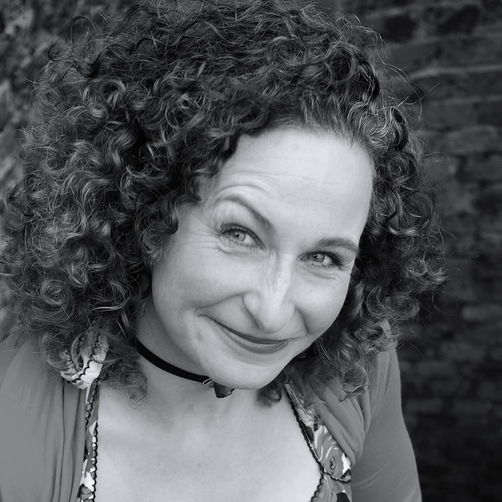 Tina Sederholm-Editor-Writer